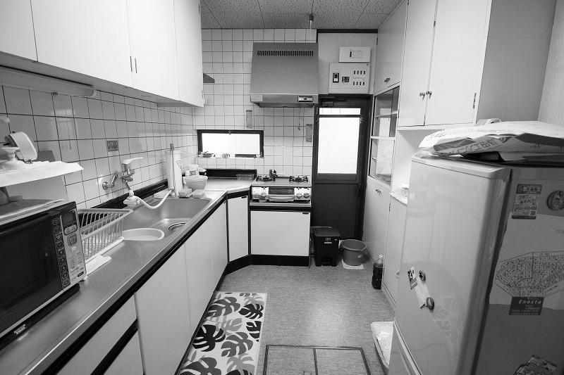 最新のキッチンで美しさと使いやすさを向上(before)