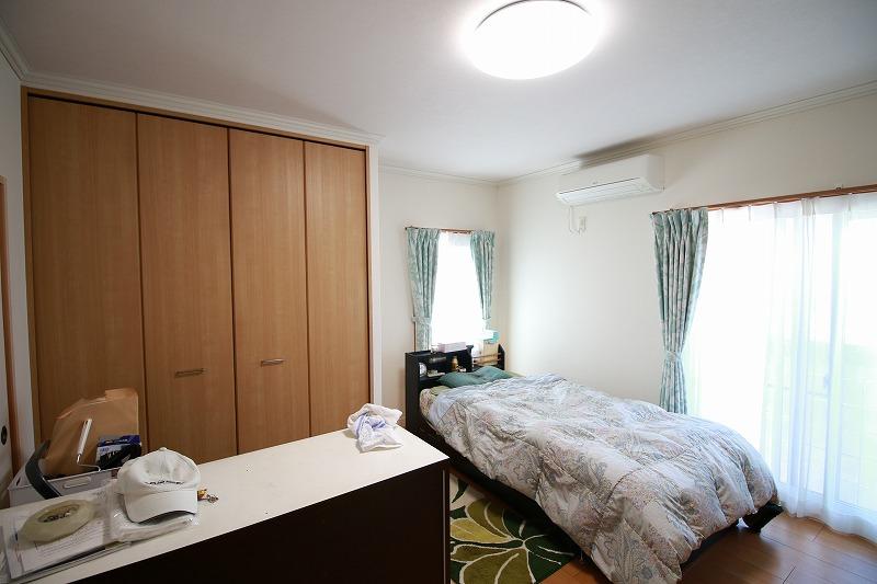 お父様の寝室はベッドの生活がしやすいフローリングへ(after)