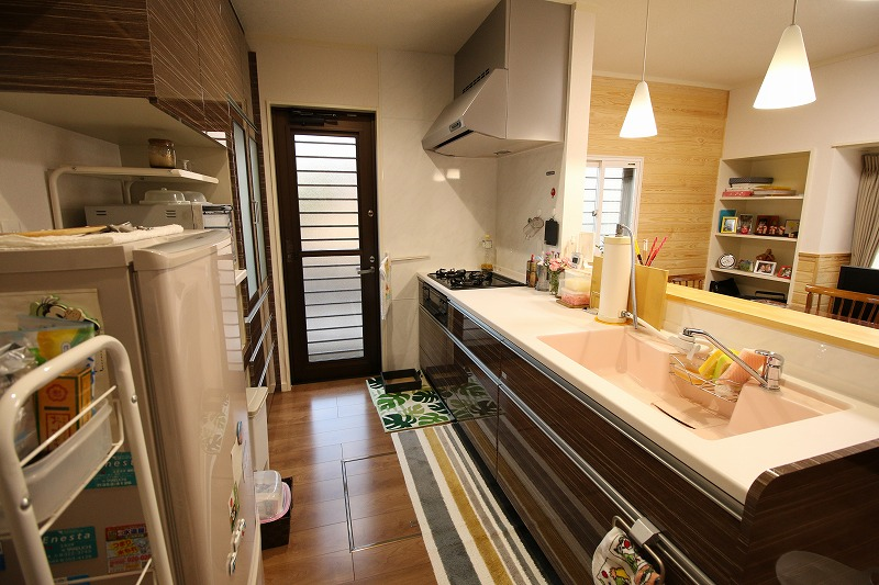 最新のキッチンで美しさと使いやすさを向上(after)
