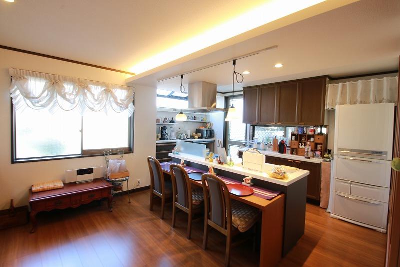 家具のように溶け込むキッチン空間(after)